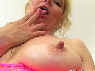 British, Fingering, Granny, HD, Mature, MILF, Mom, Old, Pussy,