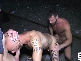 Bareback, Big Cock, Outdoor, Rimming, Threesome,