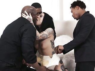 Sexo Anal, Bunda, Pau Grande Negro, Pau Grande, Boquete, Sem Peitos, Ejaculação , Garganta Profunda, Dupla Penetração, Facial,