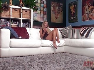 Amateur, Audition, Backstage, Blonde, Blowjob, Casi James, Couch, Couple, Handjob, HD,